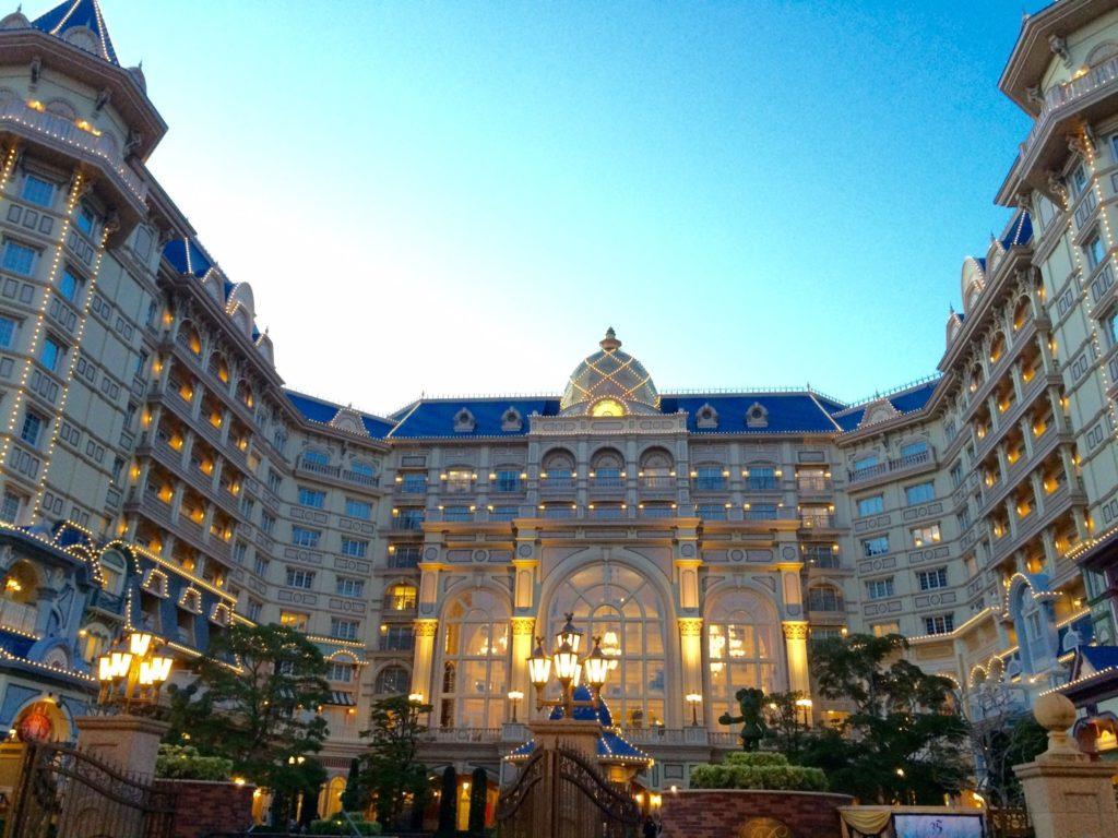 カップルにおすすめのディズニーホテル